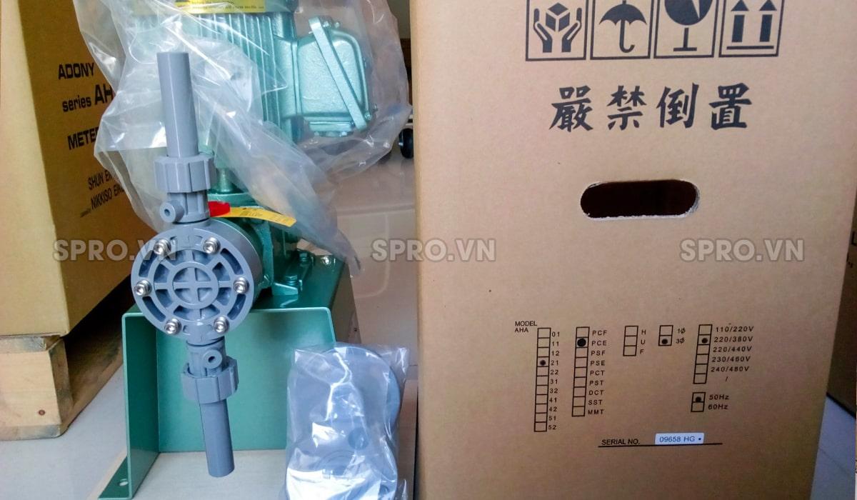 Máy bơm định lượng hóa chất Nikkiso AHA 21 PVC