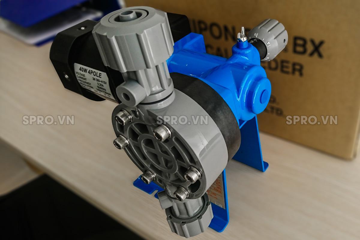 Máy bơm định lượng hóa chất Nikkiso BX 20 PVC