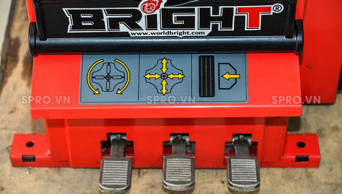 Máy tháo vỏ xe tay ga và ô tô, máy ra vào lốp Bright LC810E