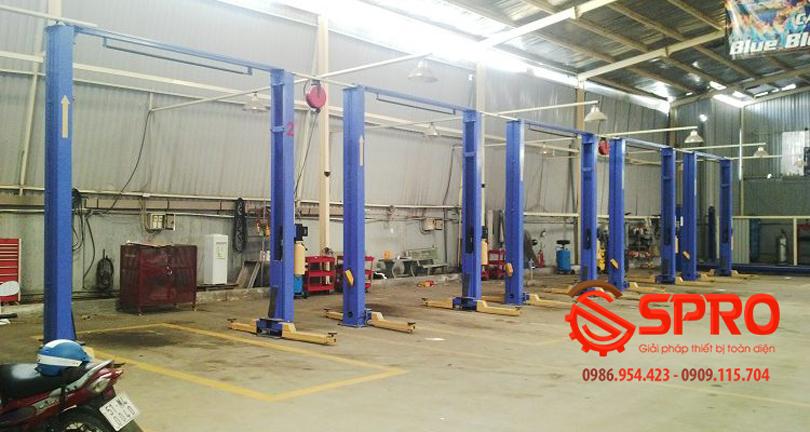 Lắp đặt hệ thống cầu 2 trụ cho garage sửa chữa