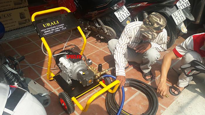 Máy rửa xe áp lực cao AR U30-1410 nhập khẩu trực tiếp từ Ý