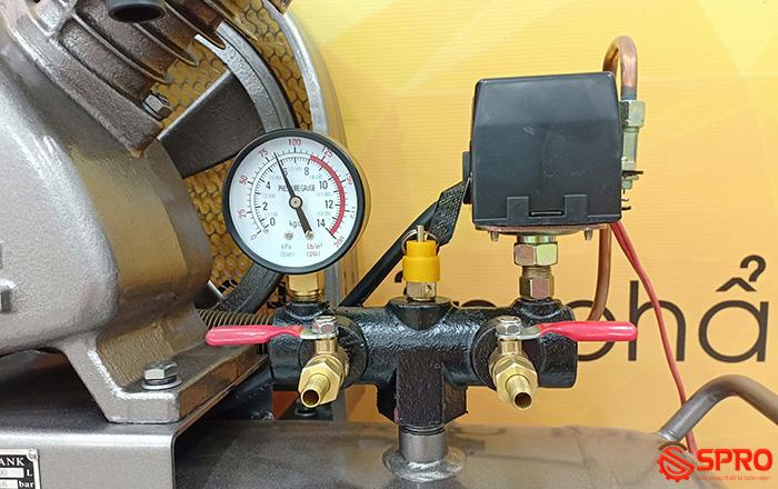 Cụm điều áp, van xả, đồng hồ đo áp Máy nén khí piston 2HP 1 cấp Jaguar EV51H100 - Dung tích 100L