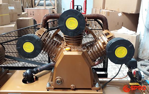 Đầu nén máy bơm hơi 10HP giá rẻ Pegasus TM-W-1.0/8-330 dung tích 330L