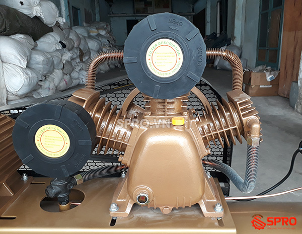 Đầu nén máy bơm hơi 4HP giá rẻ Pegasus TM-V-0.36/12.5-230-380 Dung tích 230L