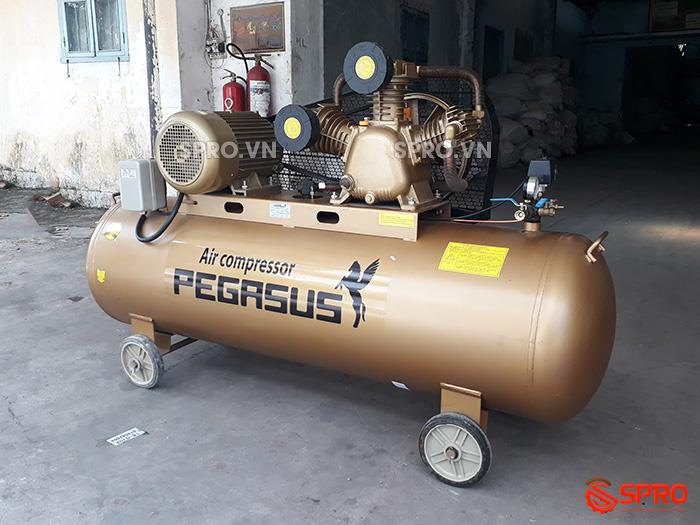 Máy bơm hơi 7.5HP Pegasus TM-W-0.67/12.5-330 - Dung tích 330L giá rẻ