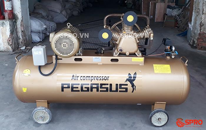 Máy nén khí 7.5HP Pegasus TM-W-0.67/12.5-330 - Dung tích 330L giá rẻ