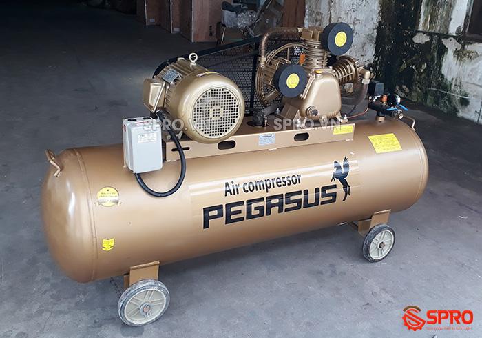 Máy nén khí 7.5HP Pegasus TM-W-0.67/12.5-330 - Dung tích 330L