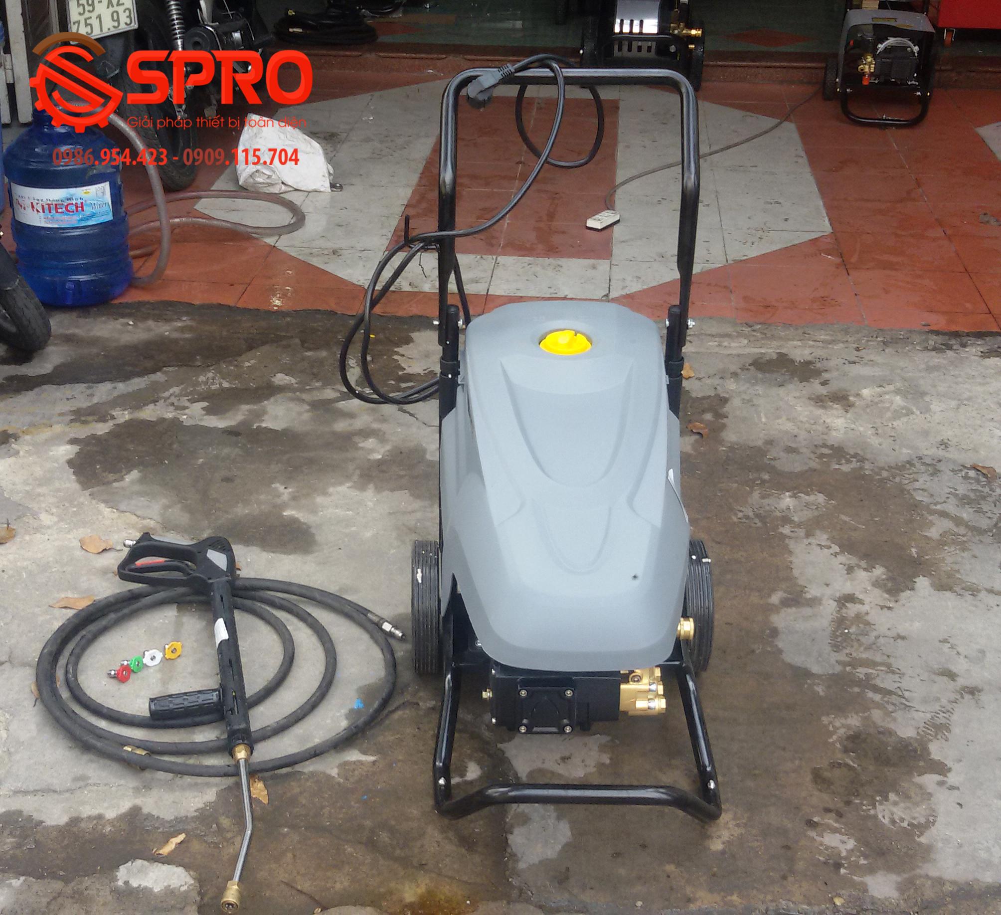 máy rửa xe cao áp P25E