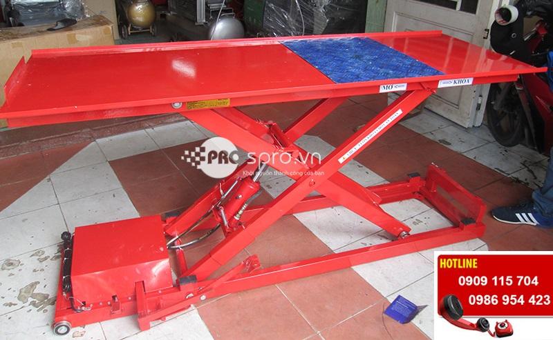 Bàn nâng điện và đạp chân T250E, bàn nâng xe máy giá rẻ
