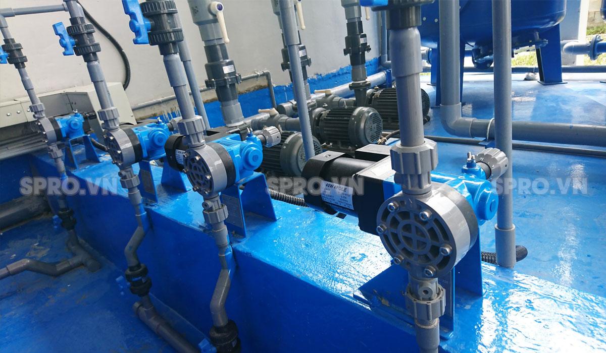 Máy bơm định lượng hóa chất Nikkiso trong xử lý nước thải