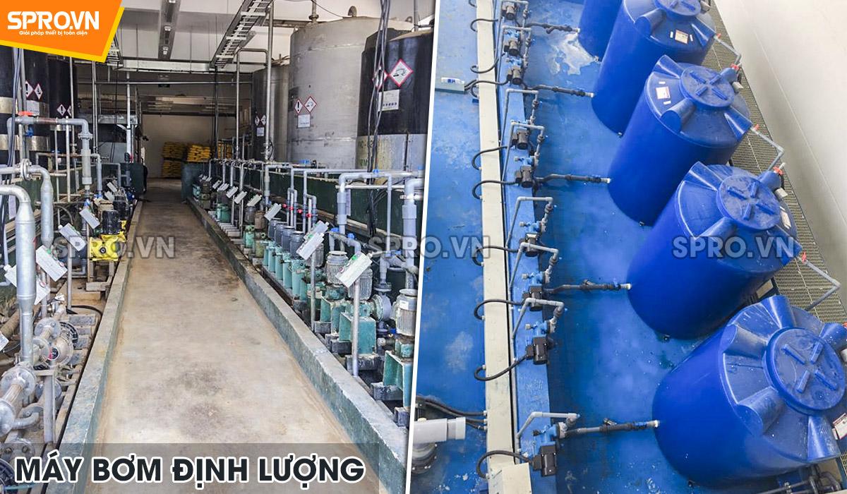 Máy bơm định lượng hóa chất Nikkiso của Nhật trong nhà máy
